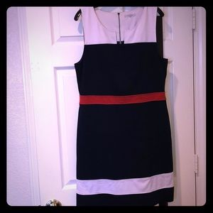 Block color dress. Navy, white, and orange.